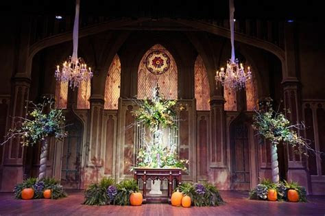 Scottish Rite Cathedral Theater, Flowers by Alan Thompson