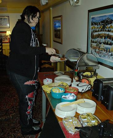 Amanda at the breakfast buffet