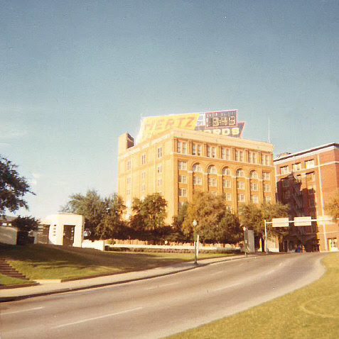 File:Dealey Plaza (1969).jpg
