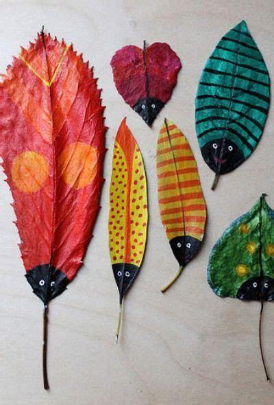 membuat serangga  daun kering