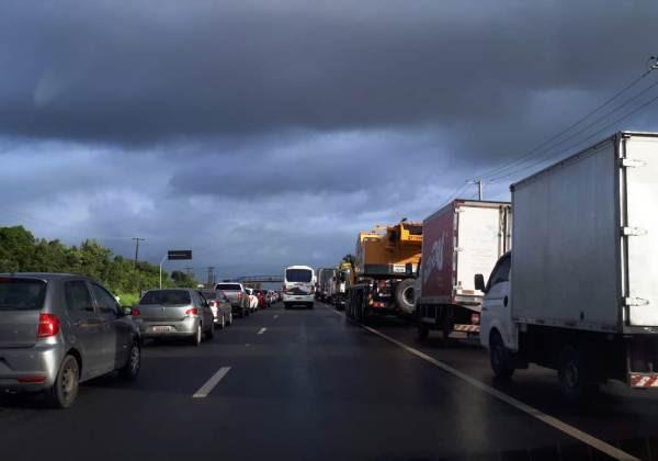 Resultado de imagem para Após reunião com governo, caminhoneiros descartam paralisação