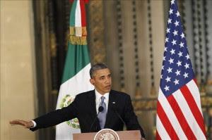 El presidente de Estados Unidos, Barack Obama, habla en una rueda de prensa,  ayer en México. EFE