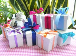 Idayuni Membalut Hadiah