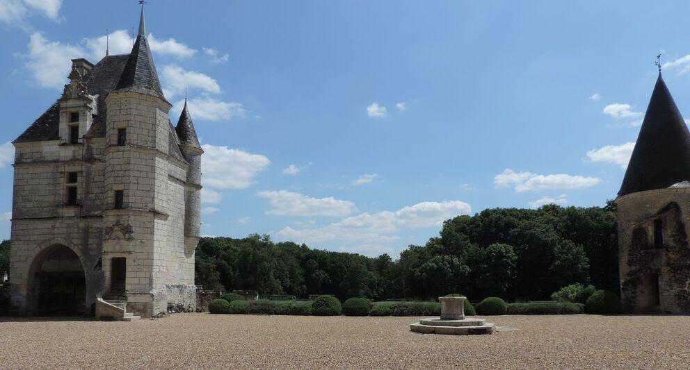Château de MONTPOUPON en Touraine - 1 -