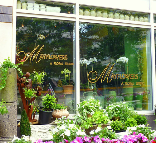 Mayflowers Shopfront, Plaza America, Reston