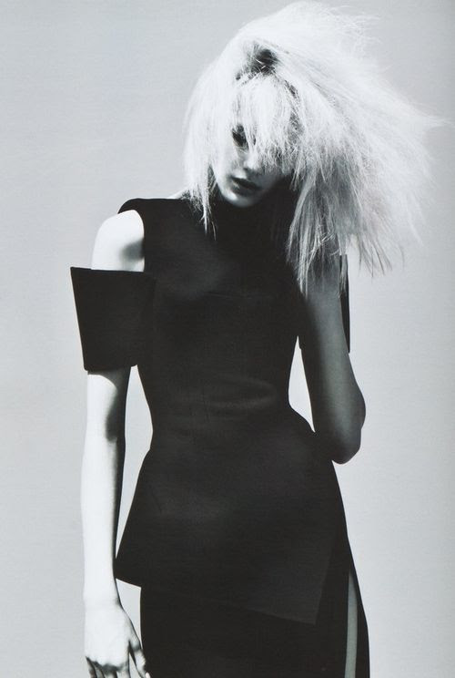 heidi mount by mert alas and marcus piggott for v magazine fall 2008.