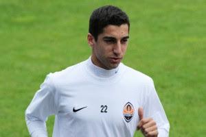 Мхитарян - лучший футболист Армении 2011 года