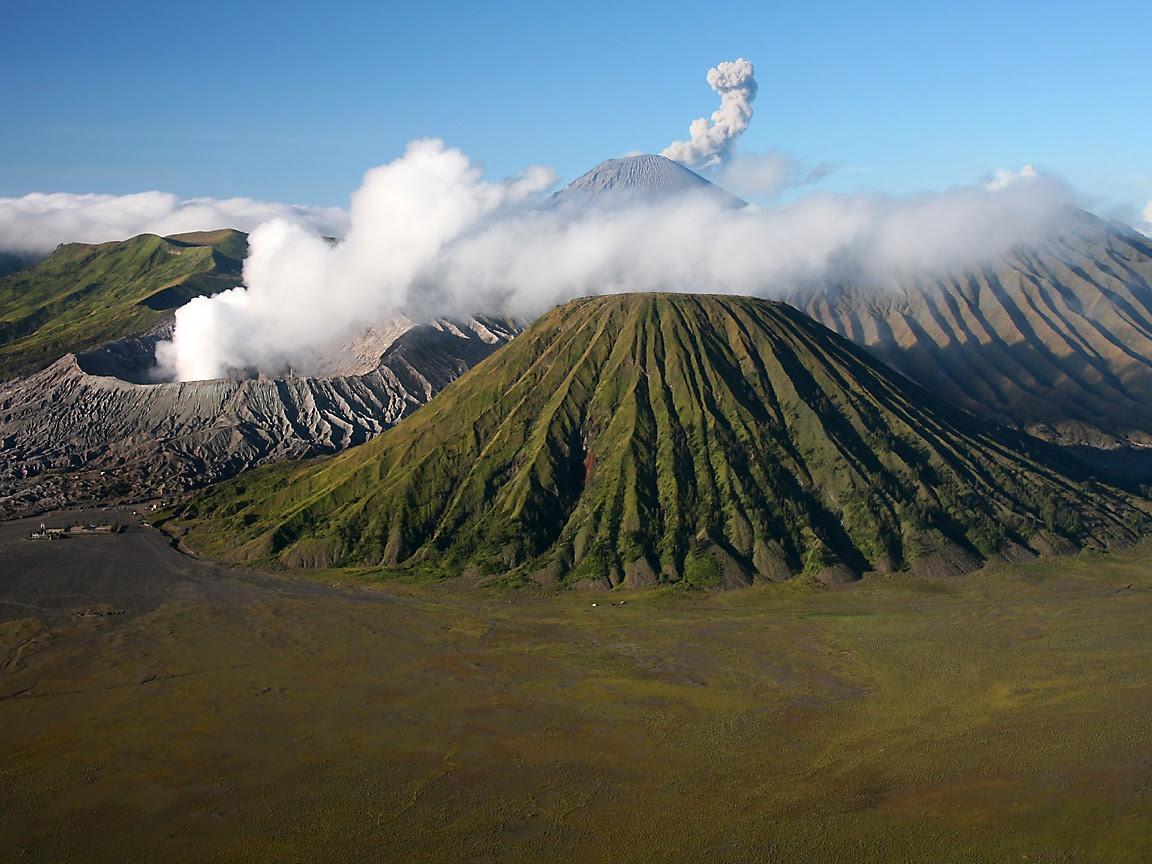 KUMPULAN GAMBAR GUNUNG BROMO TERBARU Foto Pemandangan Gunung Bromo