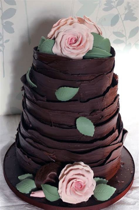 8 Chic Chocolate Wedding Cakes