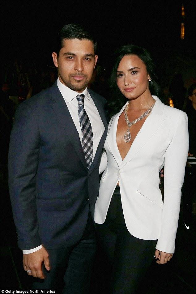 """""""Eu não quero isso por um longo tempo.""""  Demi disse que ela não está à procura de um relacionamento agora depois de dividir com o antigo namorado Wilmer Valderrama"""