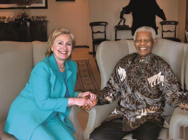 2009년 남아프리카공화국  요하네스버그에서 만델라 전 남아공 대통령과 회동  /김영사 제공, ⓒHuma ABedin