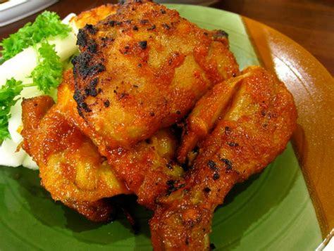 ayam panggang bumbu padang pedasnya bikin nagih