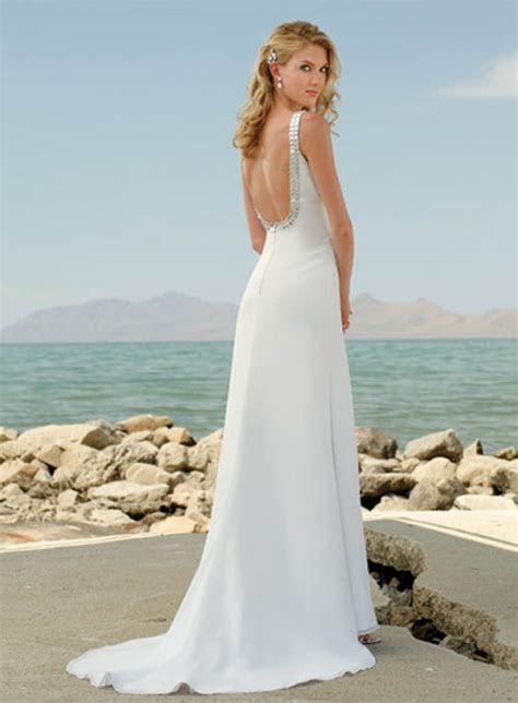 Wedding dresses for ceremonies on the beach   Wedding