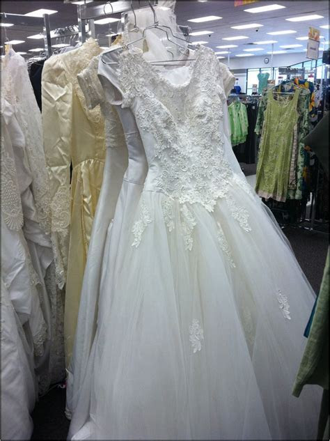 Wedding Gowns Shop Near Me   Huston Fislar Photography