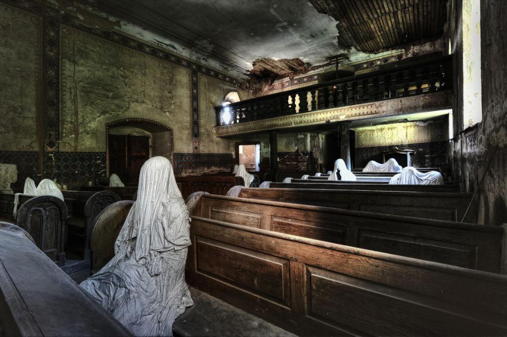 A arte do Urbex - As impressionantes fotografias de Niki Feijen 18