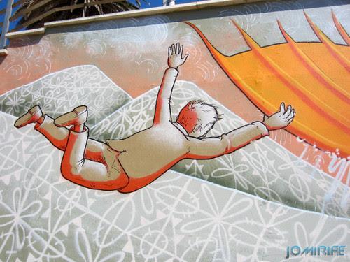 Arte Urbana by Mário Belém - Peixe laranja/Imaginário no CAE na Figueira da Foz Portugal - Elemento Agarrado à barbatana (12) [en] Urban art by Mário Belém - Orange Fish/Imaginary in Art Center Figueira da Foz, Portugal
