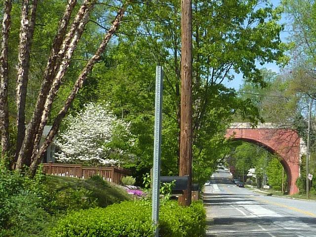 P1090463-2011-04-04-Ormewood-Park-Ormewood-Avenue-Bridge-East-detail-d