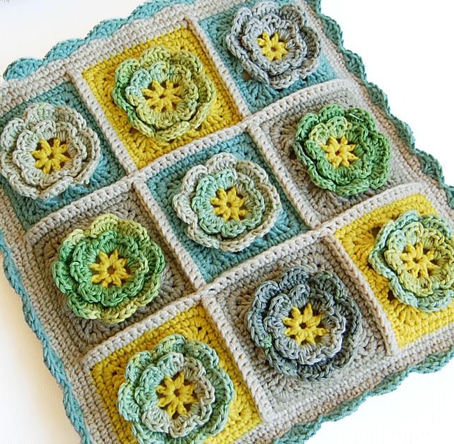Granny squares crochet bag