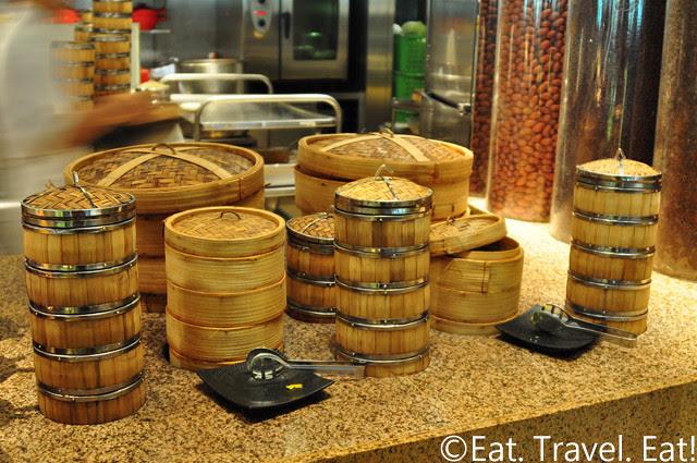 Island Shangri-La Cafe Too: Dim Sum Bamboo Steamers