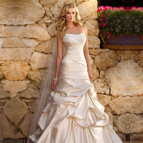 2015 sheath satin wedding dress Lace bodice figure
