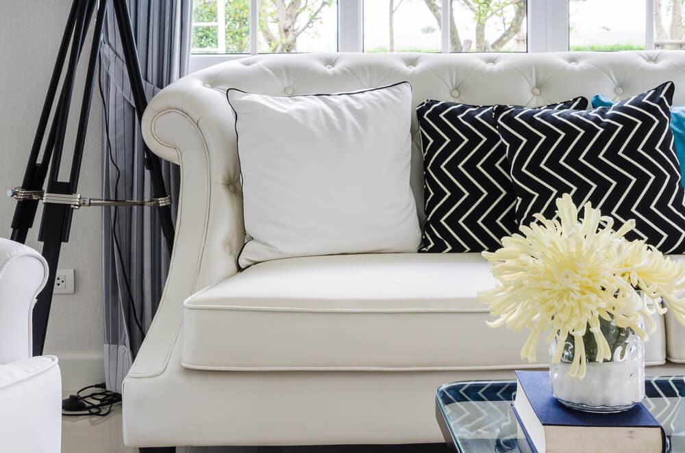 Best 25  White couch decor ideas on Pinterest   White sofa decor ...