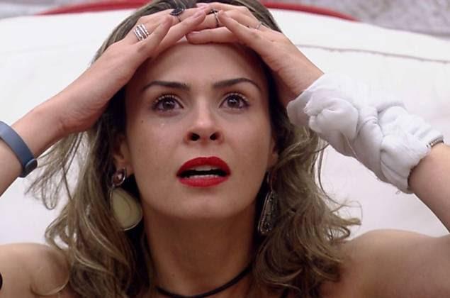 """Ana Paula se desespera ao saber que não foi eliminada no paredão falso do """"BBB"""""""