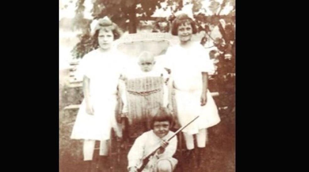 Irmãos Kahn nasceram nos anos 1910 em Nova York (Foto: Arquivo)
