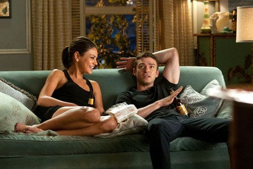 Mila Kunis and Justin Timberlake in FRIENDS WITH BENEFITS.