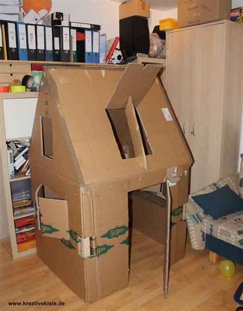 kreative kiste spielhaus fuer kinder aus pappe karton mit