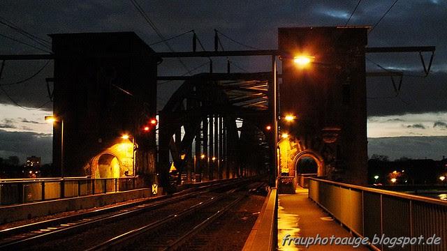 Südbrücke bei Nacht