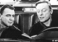 Os anjos Damiel (Bruno Ganz) e Cassiel (Otto Sander)