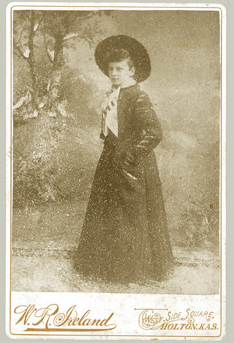 Cabinet Card woman with hat