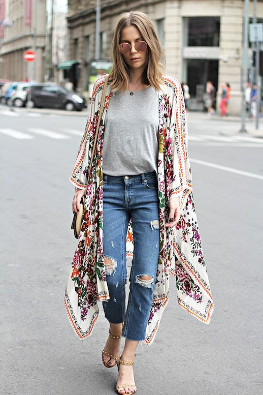 Le Fashion Blog Blogger Modern Boho Look Mirrored Round Sunglasses Grey Tee Shirt Cropped Ripped Denim Studded Nude Heeled Sandals Via Fashion And Style