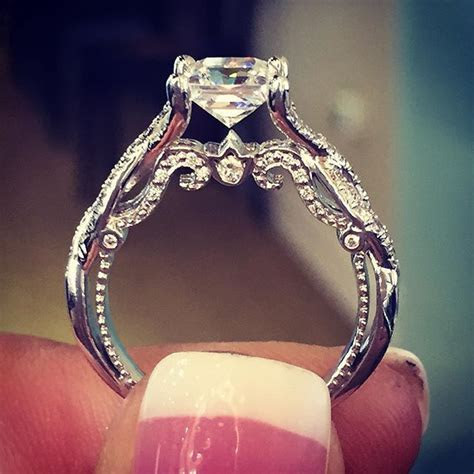 Best 10  Vintage engagement rings ideas on Pinterest