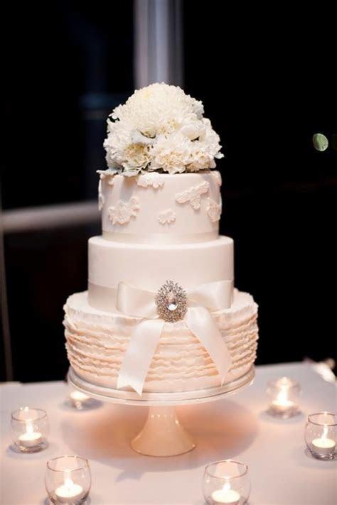 The White Three tiered Wedding Cake   Weddbook