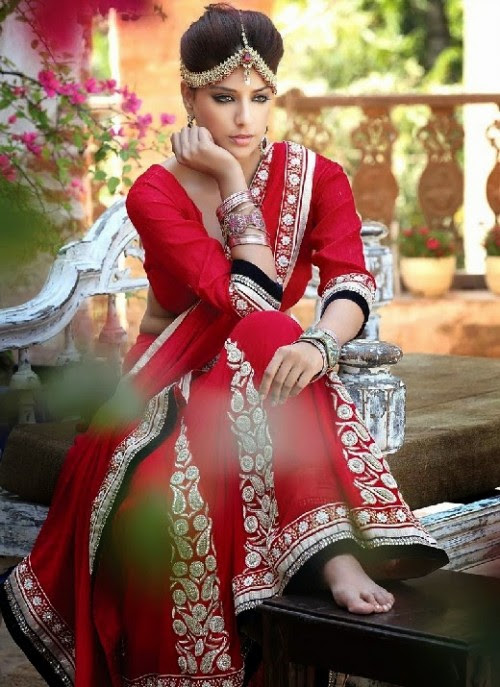 Beautiful-Girls-Women-Wear-Christmas-Exclusive-Saree-Dress-New-Fashion-Red-Suits-Design-13