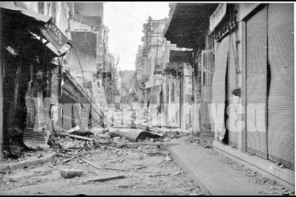 Το στιγμιότυπο από τη βομβαρδισμένη οδό Χατζημιχάλη Νταλιάνη