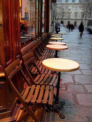 trottoirs de la rue François Miron.jpg