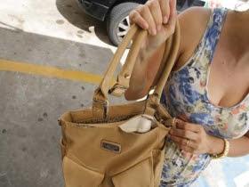 Resultado de imagem para bolsa roubada