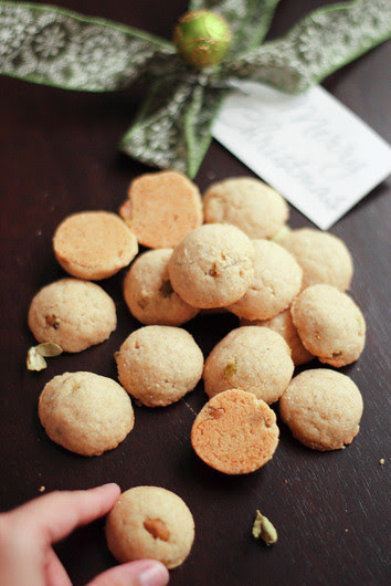 Nankhatais- Indian Wholewheat cardamom cookies