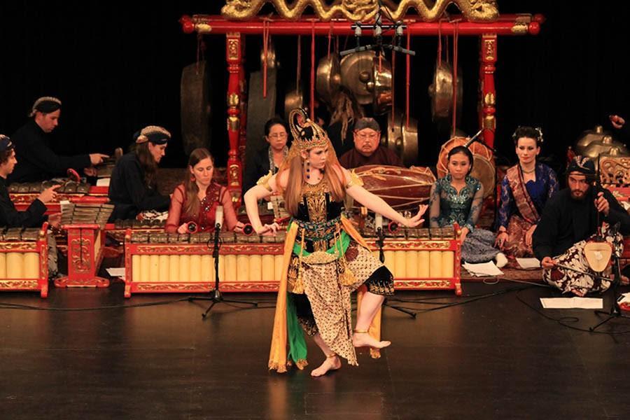SDSU's Gamelan ensemble celebrates Javanese culture – The Daily Aztec