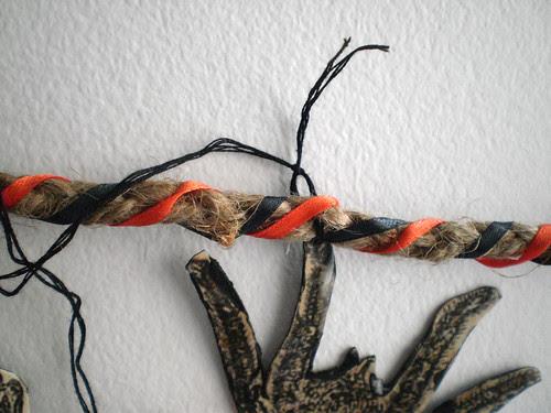 knot thread tightly