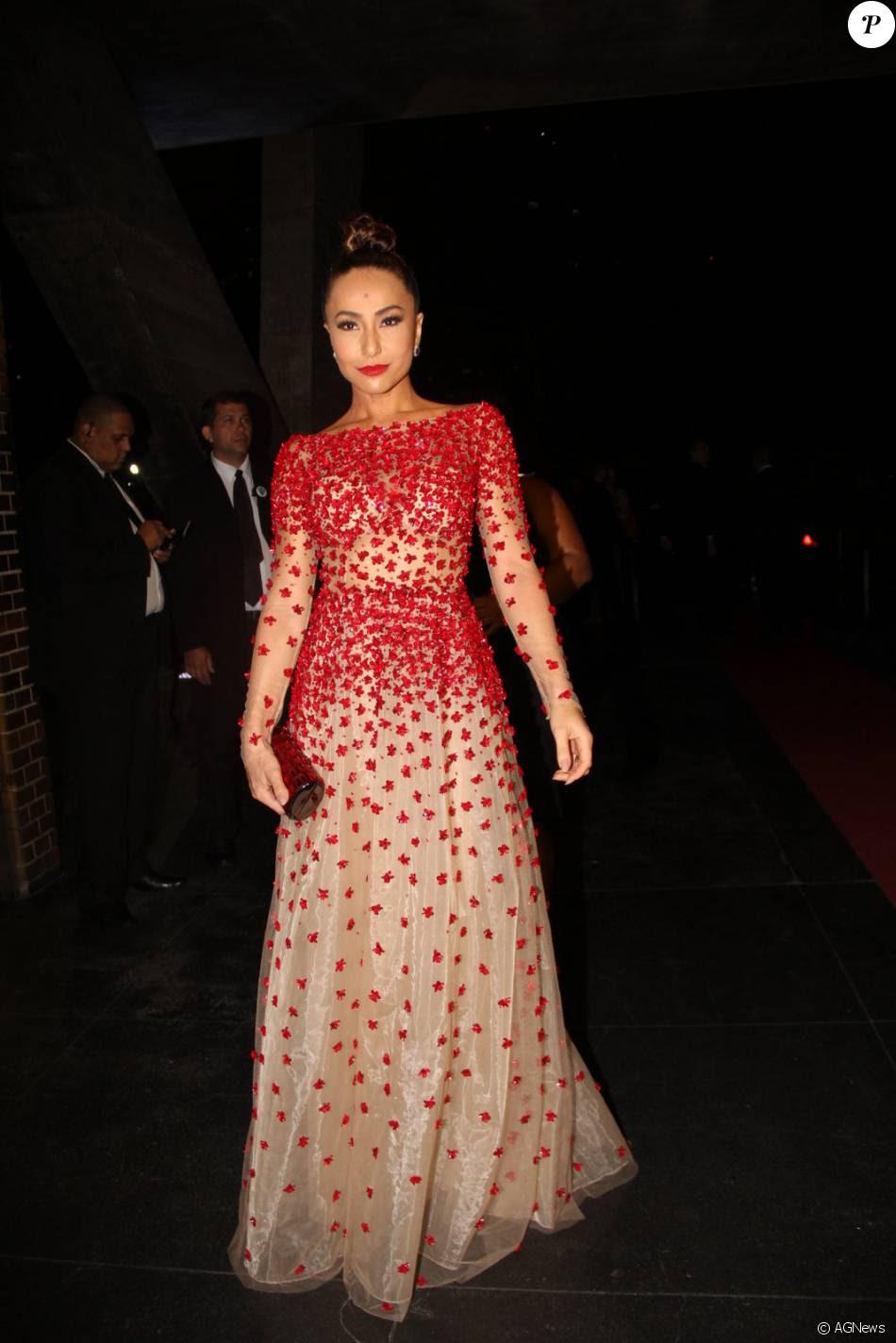 Sabrina Sato usa vestido de R$ 12 mil em casamento de Antonia Fontenelle, nesta sábado, 12 de dezembro de 2015