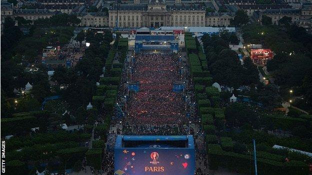 The opening concert of the Paris fan zone, one day before the start of Euro 2016