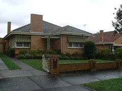 5 Peterleigh Grove, Essendon