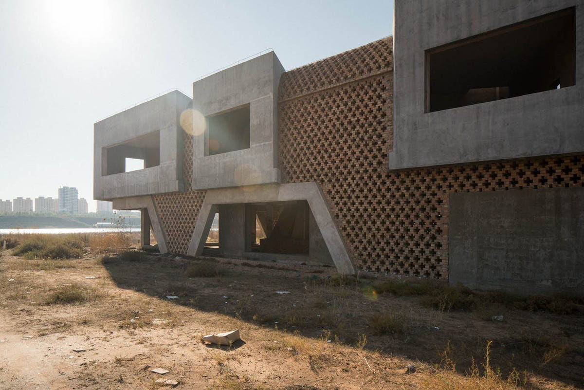 This abandoned villa is part of the Ordos 100 project, an initiative that invited 100 architects to design a village of 1,000-square-meter homes.