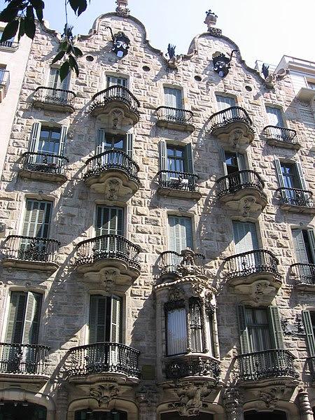 Archivo:Casa Calvet.jpg