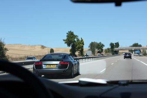 Audi R8 en la autopista A1