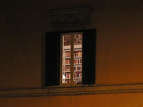 bibliothèque au bord du tibre.jpg