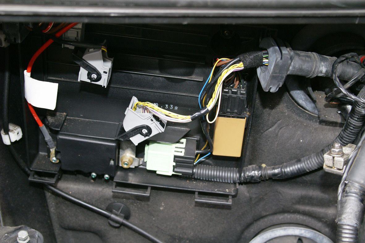 2004 Z4 Fuse Box Location